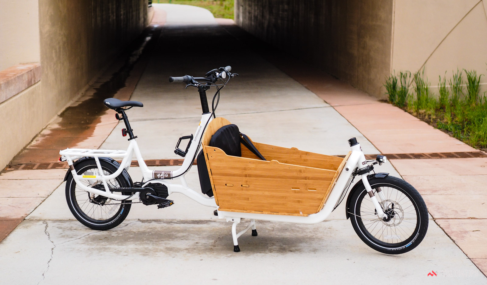 Yuba Electric Supermarche E Cargo Bike Review The Smile Machine Cyclingtips